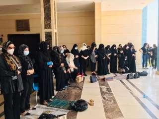 بالصور.. انتهاء صلاة الجنازة على الفنان الراحل سمير غانم