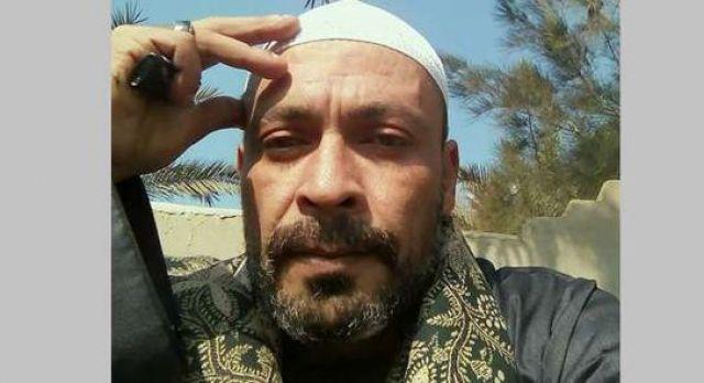 شاهد.. مقتل خطيب مسجد على يد ابن خاله بسبب خلافات أسرية.. فيديو