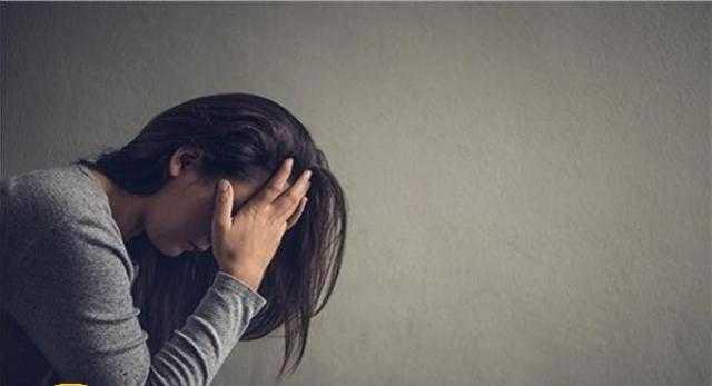 طلبت الطلاق من زوجها لأجل آخر.. فما حُكم الدين؟