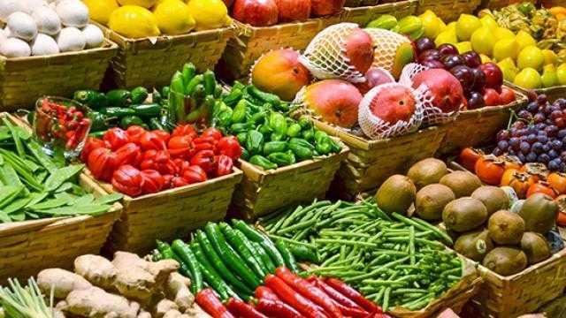 أسعار الخضروات بسوق العبور اليوم.. الطماطم 2-4 جنيه