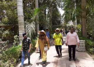 وزيرة خارجية السودان تزور الحديقة النباتية في أسوان.. صور
