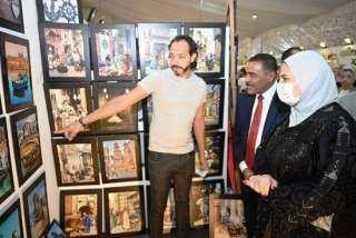 """وزيرة التضامن تفتتح معرض """"ديارنا"""" للحرف اليدوية والتراثية بمارينا"""