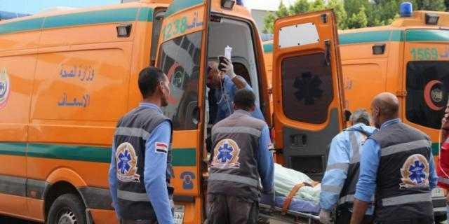 حادث مأساوي.. إصابة 3 سيدات وفتاتين في تصادم سيارتين بالعياط