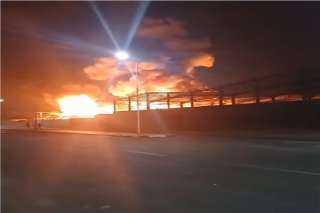 حريق ضخم في منطقة «جبل علي» الصناعية بالإمارات