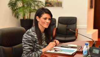 """""""المشاط"""" تناقش زيادة أنشطة مؤسسة تمويل التنمية البريطانية في مصر"""